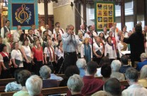 Teal and Joyce with the Common Thread Chorus
